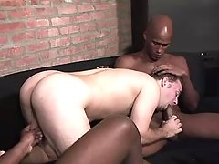 Handsome ebony stud accepts bottomless assbanging