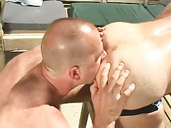 Horny dilf licks out hirsute boys anus
