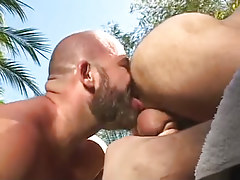 Bear man licks out hairy arse outdoor