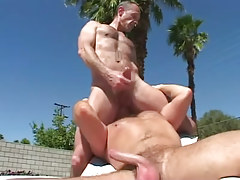 Mature homo licks hairy males rectal opening outdoor